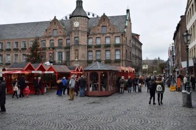 kerstmarkt dusseldorf 8   Capartas Tours